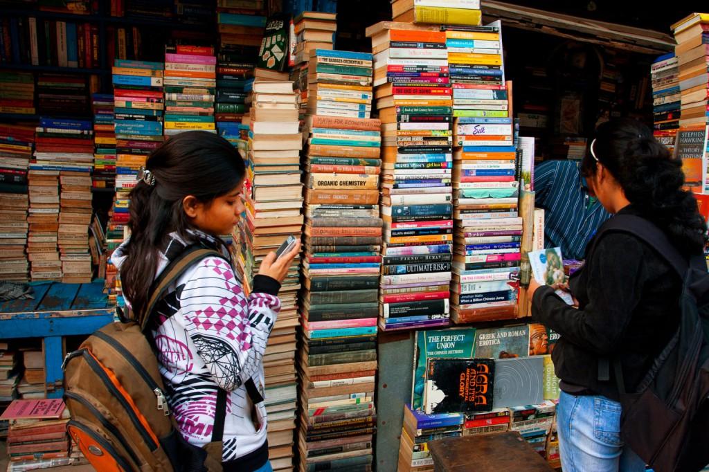 Straßen-Buchladen in Kalkutta (Foto: Radiokafka/Depositphotos.com)