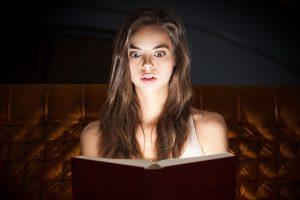 So gewinnen Sie das Vertrauen der Leser und ziehen sie in den Roman: mit dem Erzähler