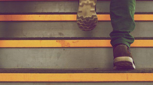 Schreib-Tipp: Wie Sie dem Leser immer einen Schritt vorausbleiben